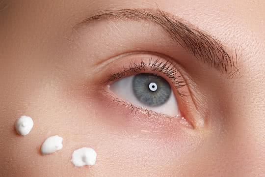Top Five Best Concealers To Cover Eye Wrinkles