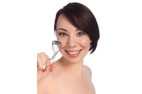 How To Use An Eyelash Curler On Very Short Lashes