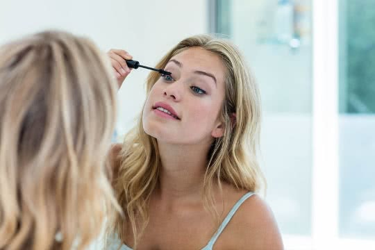 What Is Clear Mascara Used For?