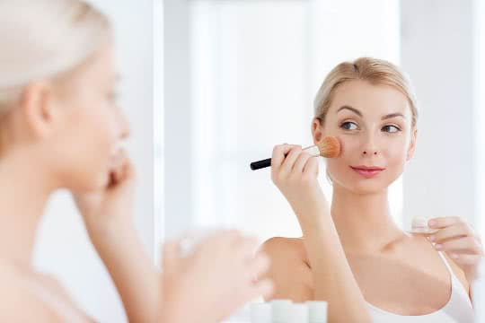 Should I Set My Makeup If My Skin Is Dry?